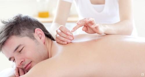 С помощью воздействия на определенные точки можно убрать боль и привести мышцы в порядок!