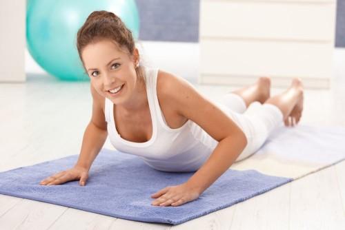 Лечебная гимнастика не только поможет бороться с остеохондрозом, но и станет его профилактикой!