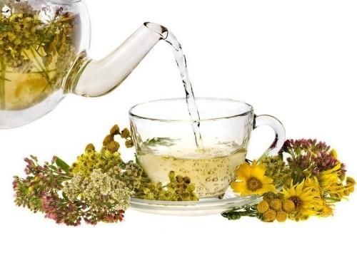 Травяные отвары - известное средство от боли! Их употребляют как наружно,так и в виде чая!
