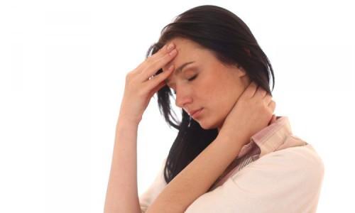Первый признак проблемы - хруст в позвоночнике. Далее появятся боли и другие симптомы!