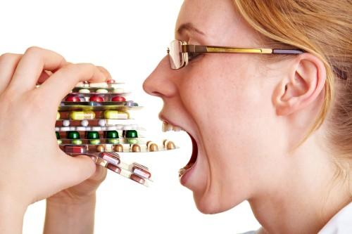 Наиболее популярным методом приема препаратов является прием таблеток. Но все же не стоит ими увлекаться!
